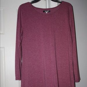 Long sleeve tunic with lace bottom.  Size large.